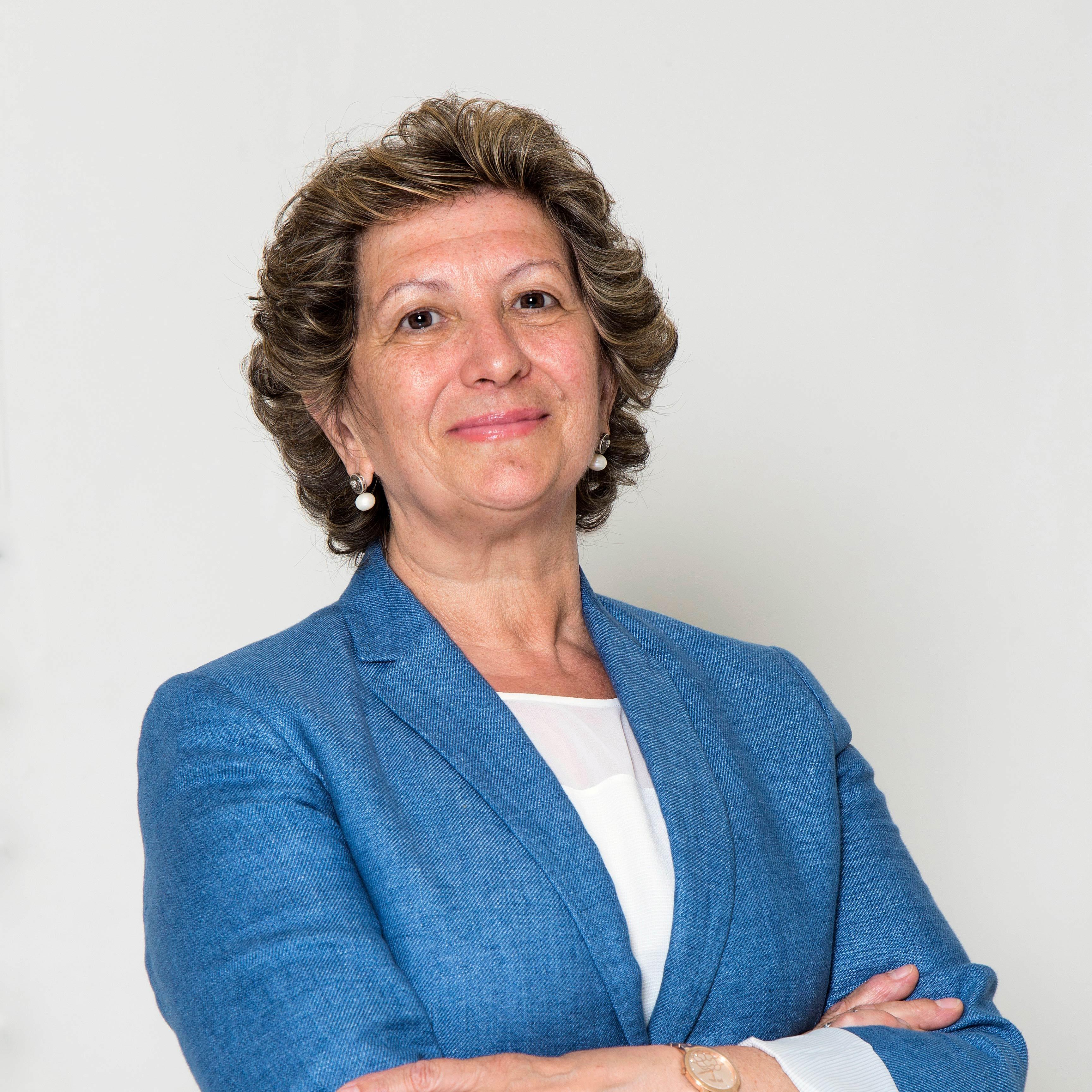 2.2_Pilar-González-de-Frutos---presidenta---02--2016